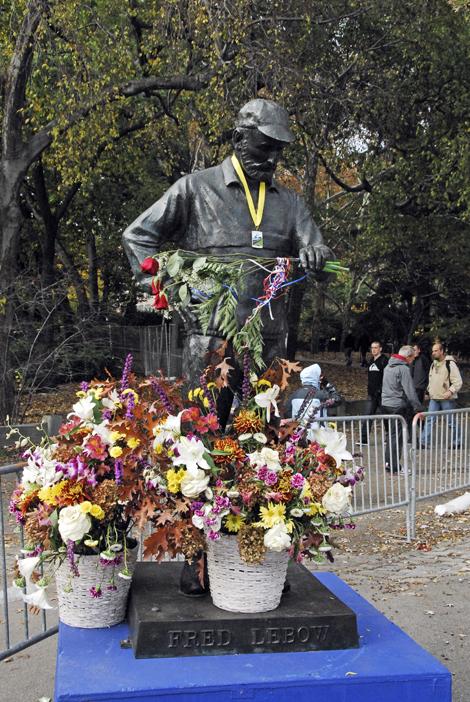 Pomnik Freda Lebow'a - twórcy maratonu nowojorskiego